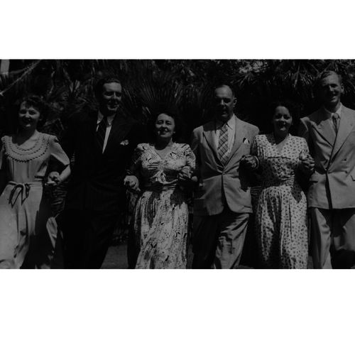 Brisbane Repertory personalities Blair Heffernan, Keith Howard, Babette Stephens, Alex Foster, Gwen Wheeler & Tony Slocock, 1952.
