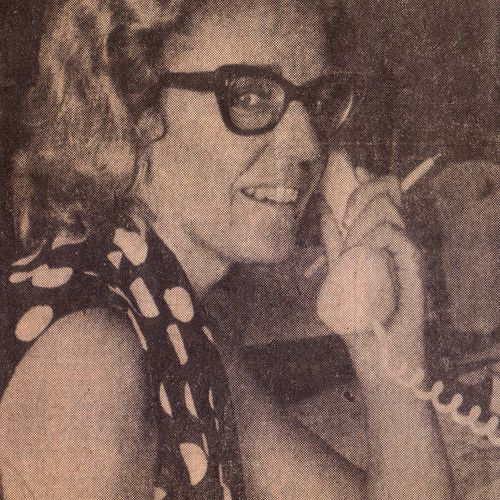 Jennifer Blocksidge organising classes for Brisbane housewives . The Courier Mail, February 1, 1973.